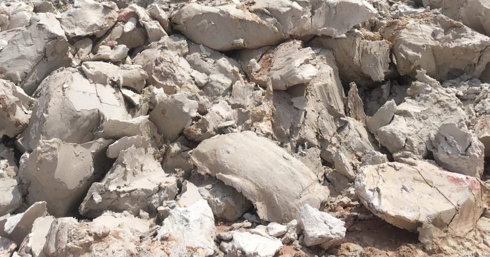 Đất sét là loại đất rất dính và dẻo khi ướt có thể tạo thành cục đất cứng
